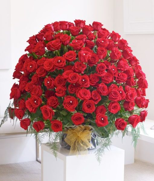 150 Red Rose Love Flowers - Send Flowers to Pakistan