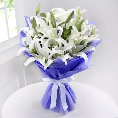 Bunch of 6 White Lilies - Send Flowers Pakistan