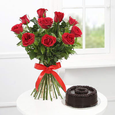 Roses & Chocolaty Love - SendFlowers.pk