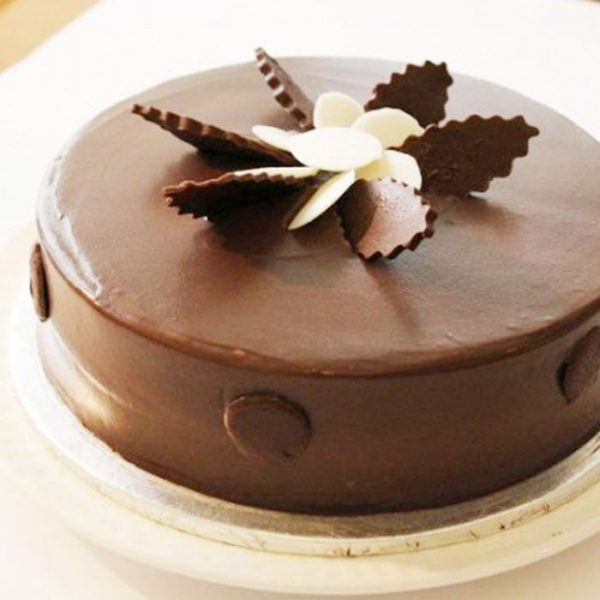 Chocolate Fudge Delight Cake SendFlowers To Pakistan