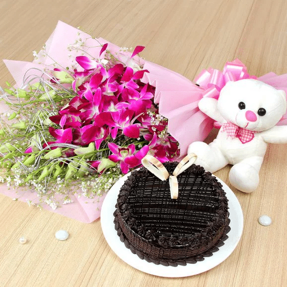 Cuddly Choco Odyssey - Online Birthday Deals in Lahore