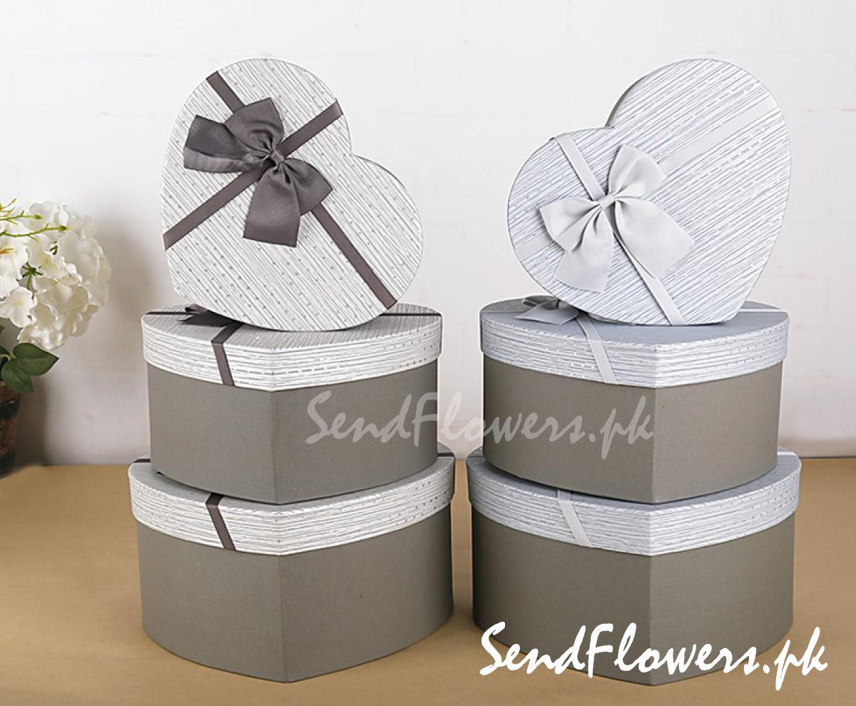 Valentine gift box delivery Pakistan