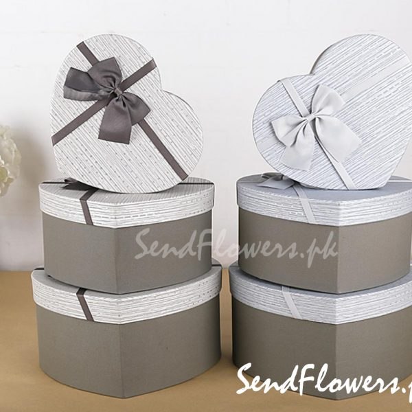 Valentine gift box delivery Pakistan