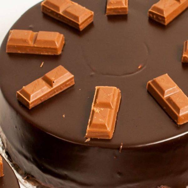 CADBURY CHOCOLATE PREMIUM CAKE - online premium cake delivery in Pakistan