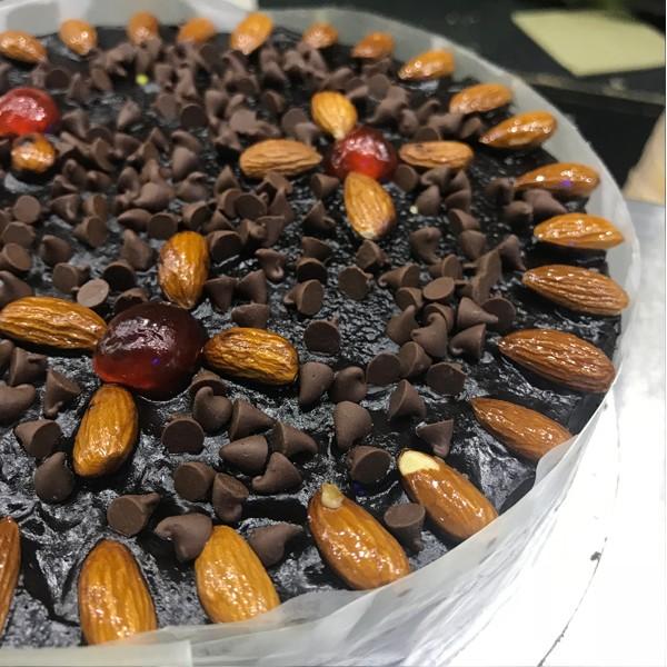 Almond Dry Cake 2LBS - SendFlowers.pk