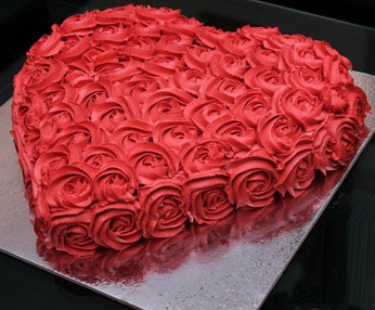 Heart Shape Cake 3 Pounds - SendFlowers.PK