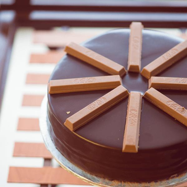KITKAT Cake 2LBS - SendFlowers.pk