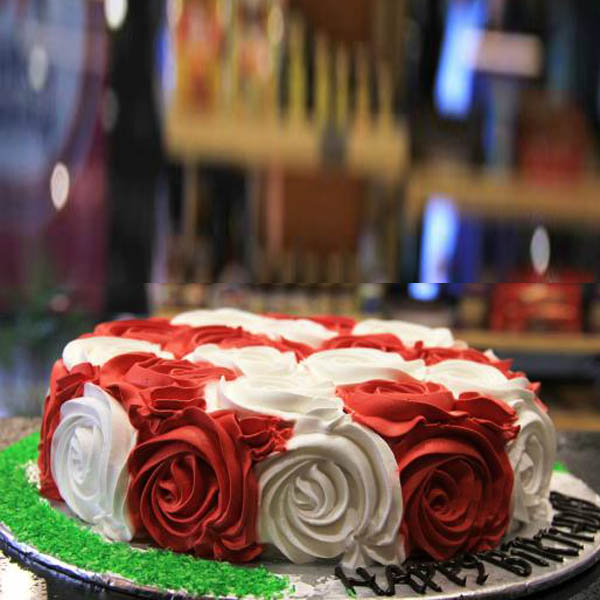 Red and White Rose Cake - SendFlowers.PK