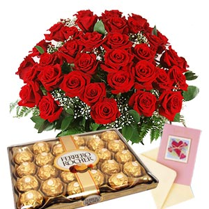 Honey Rose with Chocolates - SendFlowers.PK