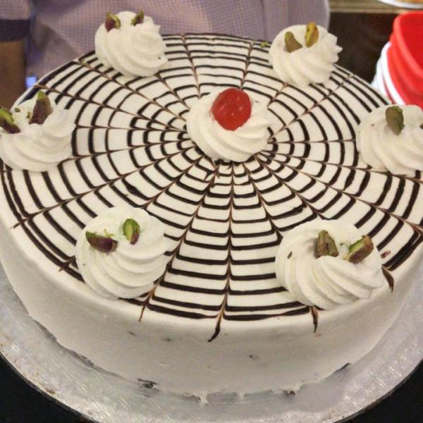 White Angle Cake 2LBS - SendFlowers.pk