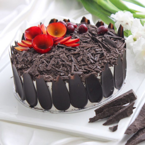 Black Forest Cake 2LBS - SendFlowers.pk
