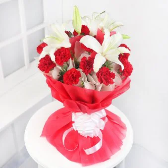 Hueful Wishes - SendFlowers.pk