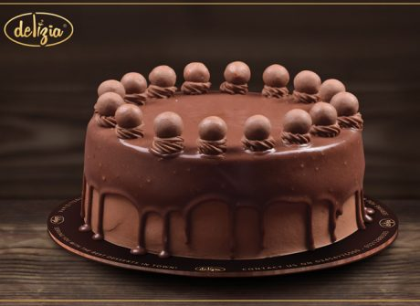 Maltesers Cake 2.5LBS - SendFlowers.pk