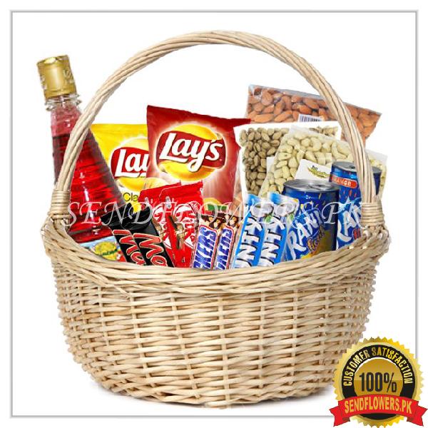 Large Foodie Basket - SendFlowers.pk