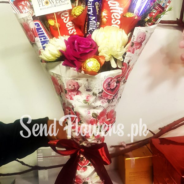 chocolate bouquet delivery Pakistan_SendFlowers.pk