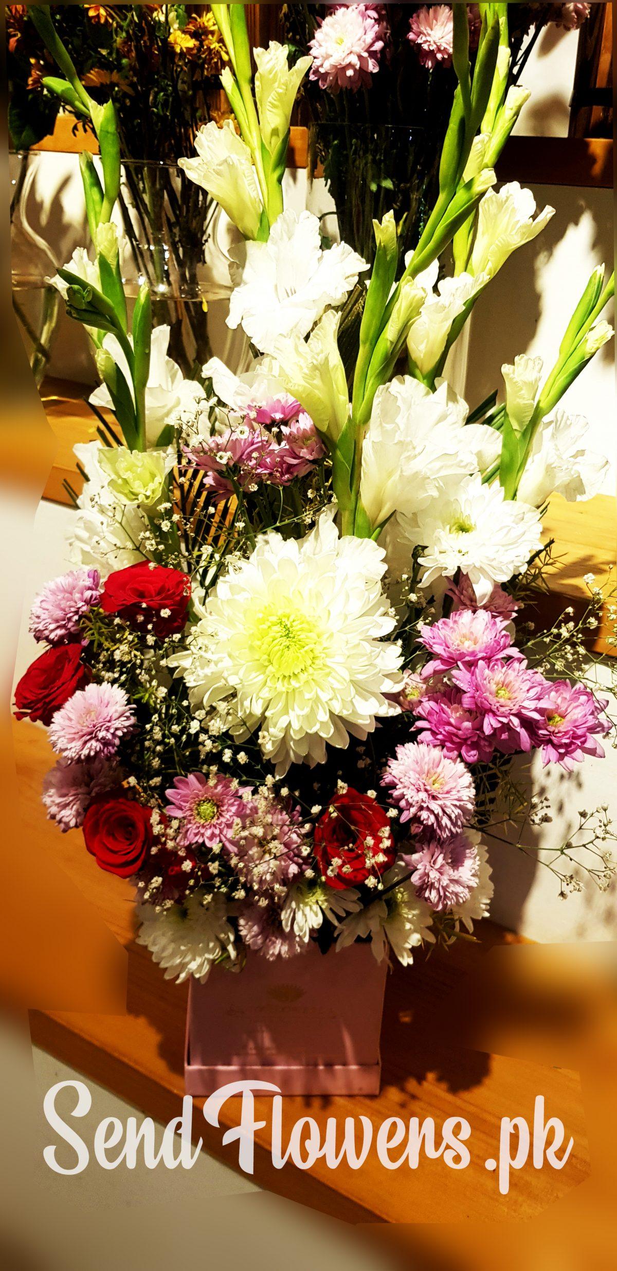 Online flower box delivery Pakistan_SendFlowers.pk