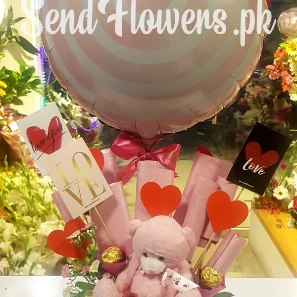 Love Pink Chocolate Box_Online Chocolate Delivery - sendflowers.pk