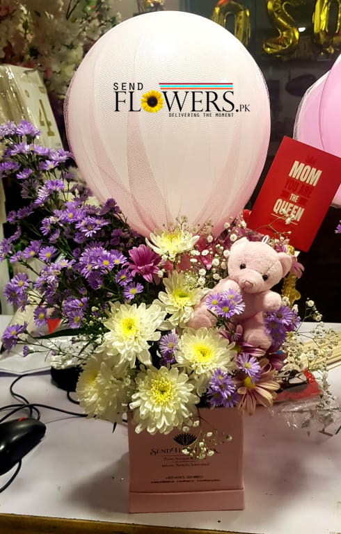 online Premium Flowers Box delivery Pakistan on Mother's Day