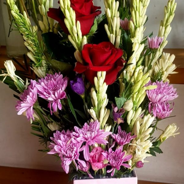 Delivery of Romance of Chrysanthemum & Roses in Pakistan