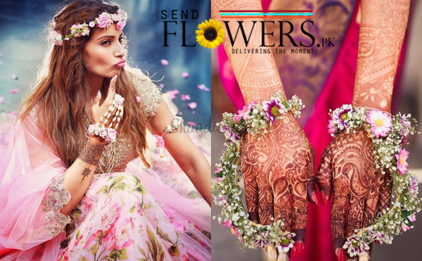 fresh flowers jewellery designs & online delivery
