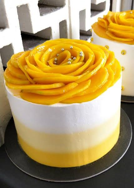 Delivery of Mango Vanilla Cake in Pakistan