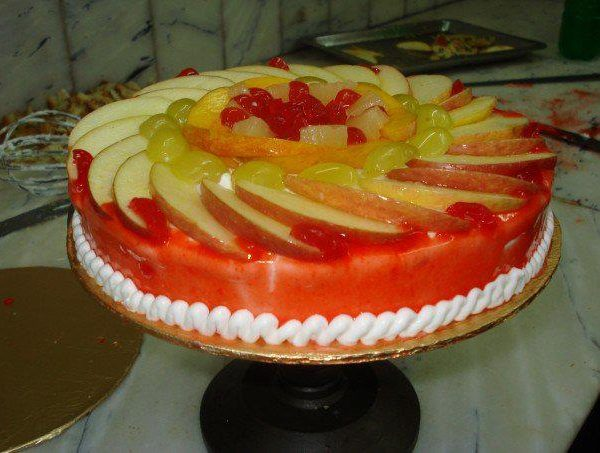 Delivery of Fruity Cocktail Cake in Pakistan