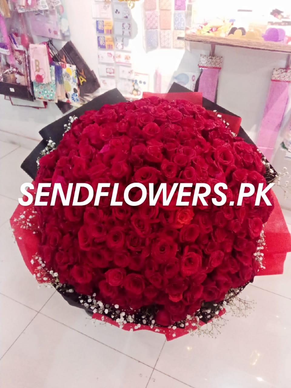 500 Roses Bouquet