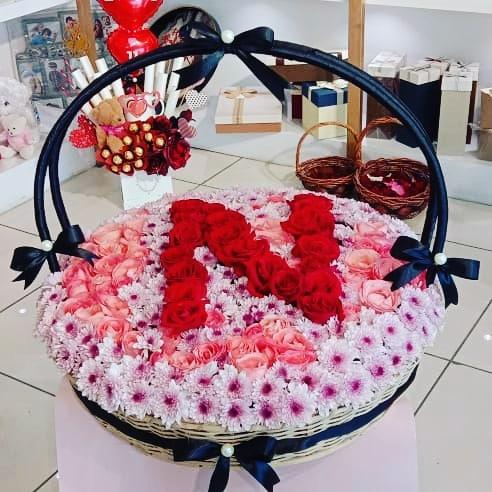 Customized Letter Of Roses - SendFlowers.pk