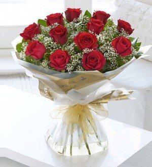 Online order of Red Flowers - SendFlowers.pk