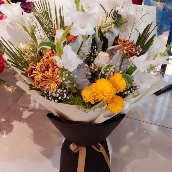 Best Florist in Lahore - SendFlowers.pk