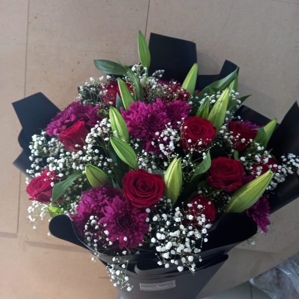Huge Blossom Bouquet - Delivery in Pakistan